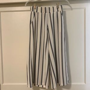 Stripped cropped pants
